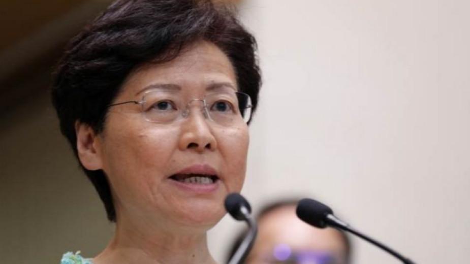Лидерът на Хонконг предупреди за плъзгане към