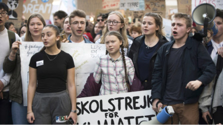 Грета Тунберг на протест с искане за мерки срещу климатичните промени.