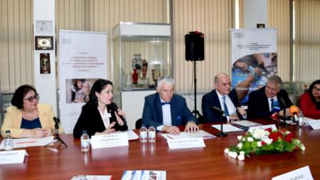 """Проект """"Иновативни модели за грижи в общността за хора с хронични заболявания и трайни увреждания"""" стартира в партньорство между БЧК, Министерството на труда и социалната политика, Министерството на образованието и Министерство на здравеопазването."""