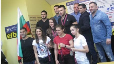 Медалистите от европейското първенство по борба.