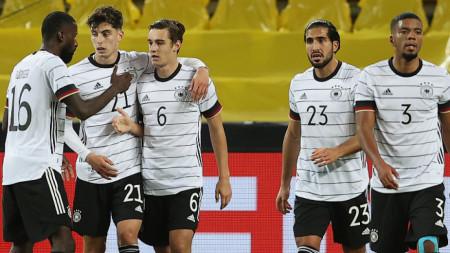 Германия и Турция направиха зрелище, завършило 3:3