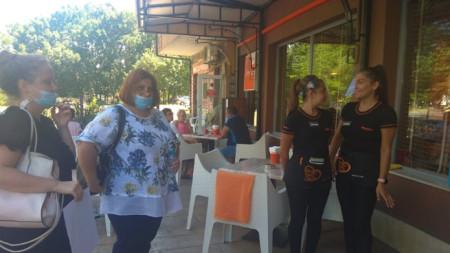 Инспектори на БАБХ провериха бургаска пицария
