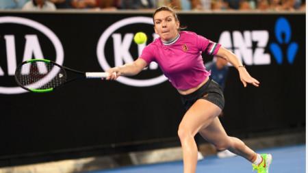 Симона Халеп загуби първия сет срещу Кая Канепи.