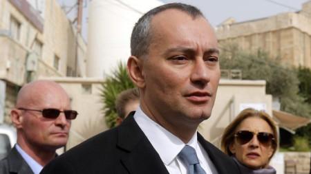 Николай Младенов по време на една от визитите си в Израел и палестинските територии.