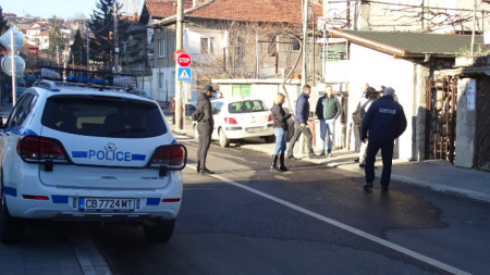 Над 200 капсул-детонатора и 5 кг. взрив са открити в Дупница.