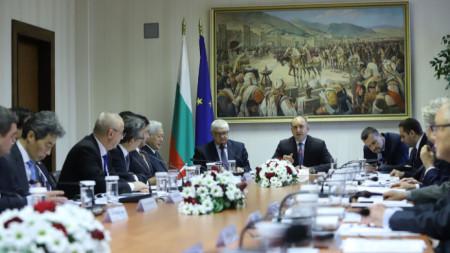 Президентът Румен Радев на срещата с представители на едни от най-големите японски корпорации.