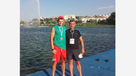 Веселин Вълчов и треньорът Цветан Иванов