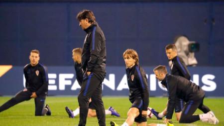 Хърватите по време на снощната тренировка в Загреб.
