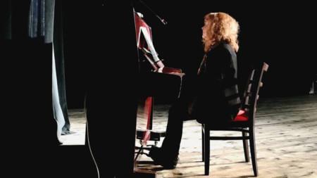 Александра Ивойлова има и други таланти. За поезията ѝ днес ще говори Георги Цанков
