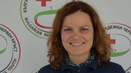 Деница Баръмова, председател на Младежкия червен кръст