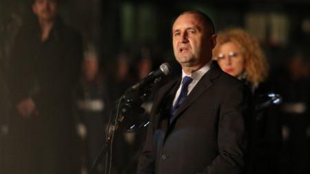 България има нужда от доблестта и усилията на всеки от нас, заяви Румен Радев в словото си.