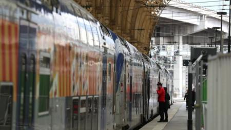 Първият ден на стачката на железопътния и въздушния транспорт бе без сериозни последици за трафика.