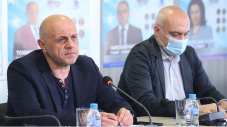Tomislav Donchev (L) at the briefing at GERB party headquarters