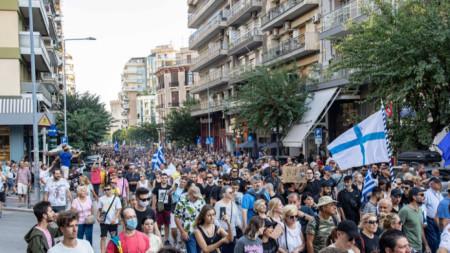 Протести в Солун срещу задължителното ваксиниране
