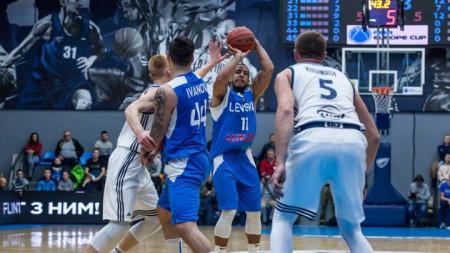 Левски записа 12-ата си победа в първенството