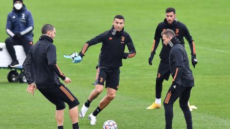 Кристиано Роналдо тренира на пълни обороти за мача с Барселона.