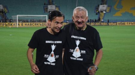 Бирсент Карагарен (вляво) преподписа с Локо Пд