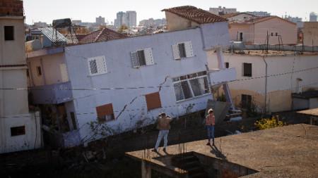 Последици от земетресение в Дуръс, Албания.
