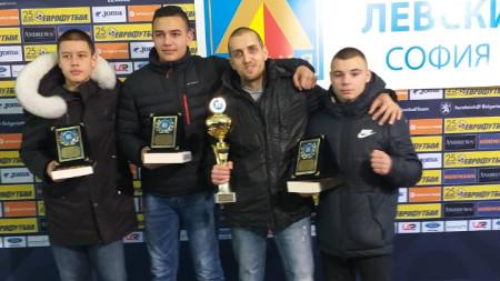 Благовест Май, Кирил Борисов, треньорът Владислав Георгиев и Ясен Радев (отляво-надясно)