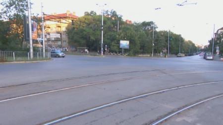 Движението на кръстовището пред румънското посолство е нормално