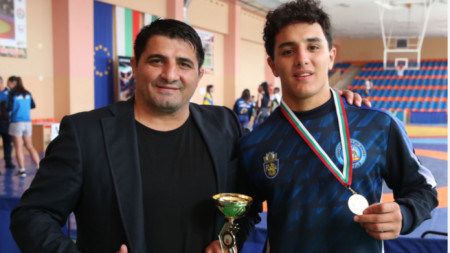 Армен Назарян е щастлив от представянето на сина си Едмонд.