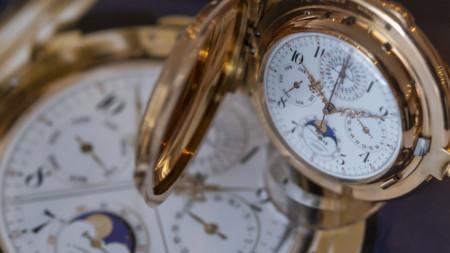 Часовниците със стрелки, които да местим ръчно, вече са рядкост