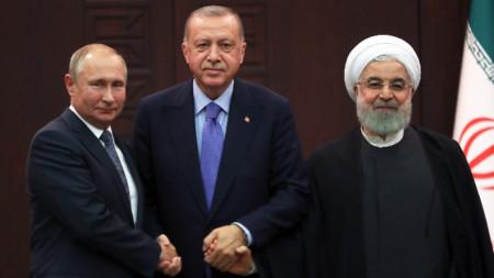 Президентите на Русия, Турция и Иран - Владимир Путин, Реджеп Ердоган и Хасан Рохани по време на срещата в Анкара.