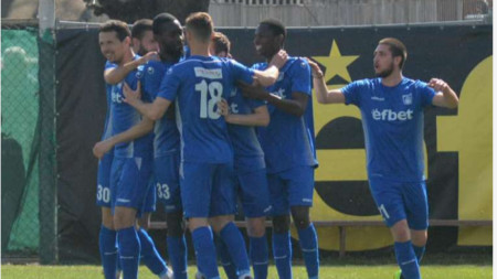 ФК Верея беше отстранен от Първа лига.