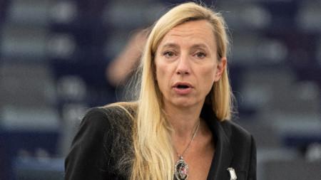 Австрийският министър на семейството Юлияне Богнер-Щраус защити орязаните надбавки, като каза, че детските в България са по-ниски.