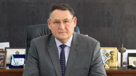 Л. Христов, кмет на община Шумен
