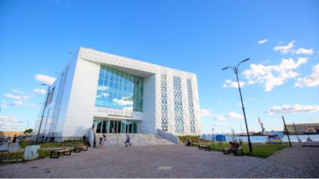 Домакин на форума е новият Конгресен център на пристанище Бургас-Изток