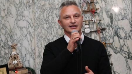Захари Карабашлиев на церемонията в Столичната библиотека, на която бе обявен за писател на годината