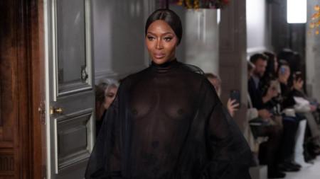 Наоми Кембъл на Парижката седмица на модата през януари 2019 г.