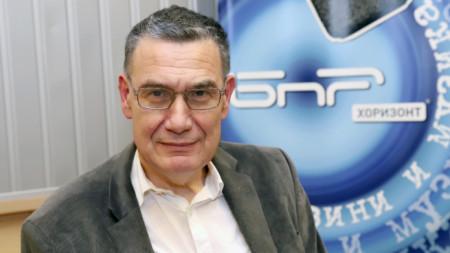 Мирослав Попов