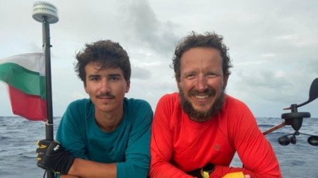 Стефан и Максим минути преди да пристигнат в Барбадос