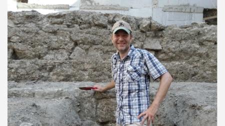 д-р Васил Тенекеджиев, археолог в РИМ-Варна