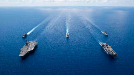 Военоморски учения на САЩ в Южнокитайско море