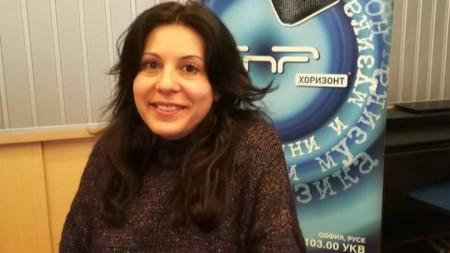 Леона Асланова