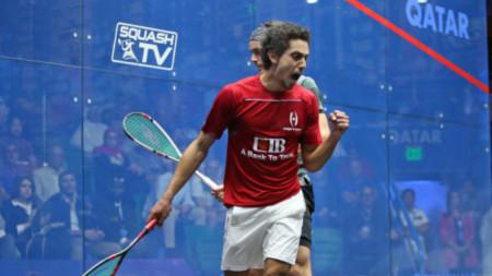 Тарек Момен се радва след спечелена точка на финала.