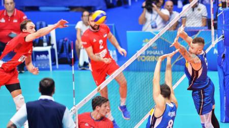 Ивович преодолява блокадата на Италия.
