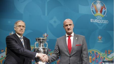 Георги Дерменджиев и Марко Роси след жребия.