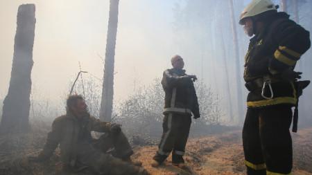 Пожарът в района избухна в началото на миналия месец.