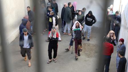 Затворници в затвора в Хасака. 12 февруари 2020 г.