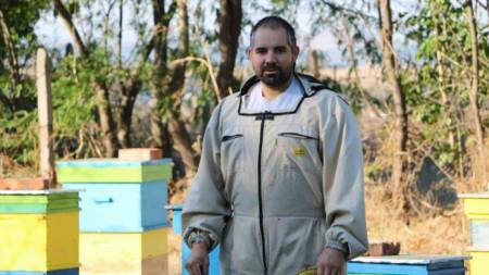 От 125 пчелни семейства Емил Янев е загубил 100