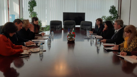 Решението бе обявено след среща на министъра на културата Боил Банов с посланика на Франция у нас Флоранс Робин.