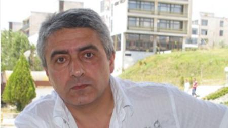 Професор Цветан Ракьовски