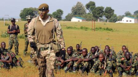 Учения на нигерийската армия.