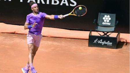 Рафаел Надал е на полуфинал в Рим.