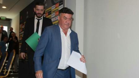 Цялото ръководство на БФС подаде оставка, включително Борислав Михайлов, който беше президент на съюза 14 години.