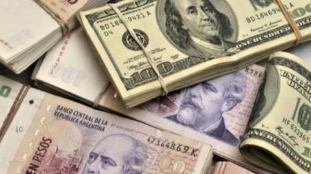 Аржентинско песо и Американски долар